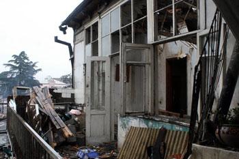 მშენებარე სახლის ნგრევის გამომწვევ მიზეზებს კომისია შეისწავლის
