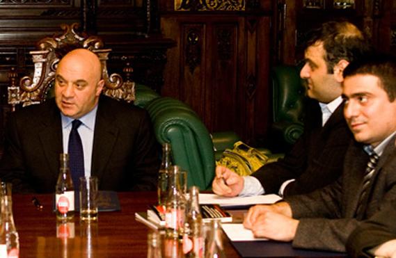 2009 წლის 9 ივნისს ალექსანდრე ებრალიძის მიერ სანკტ–პეტერბურგში მოწყობილ შეხვედრა