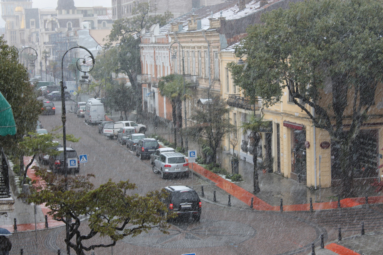 ბათუმში თოვს [ფოტო]
