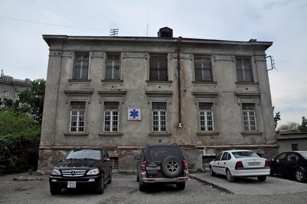 ახლად გადაცემული შენობა, სადაც სასრაფო სამედიცინო დახმარების პუნქტი მდებარეობდა