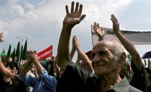 2008 წელი, სოხუმი, დამოუკიდებლობის დღისადმი მიძღვნილი აღლუმი; ფოტო: epa
