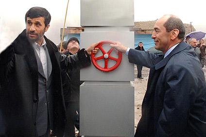 გაზსადენი ირანი-სომხეთი 2007 წელს ირანის და სომხეთის პრეზიდენტებმა მაჰმუდ აჰმადინეჯადიმ და რობერტ ქოჩარიანმა გახსნეს