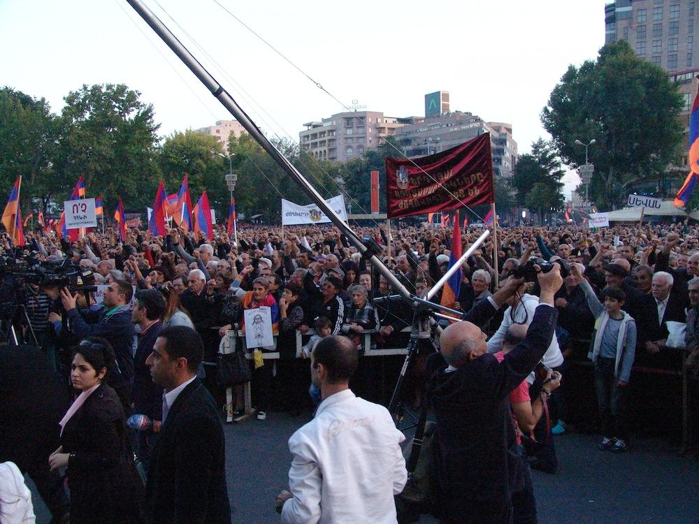 აქცია ერევანში მთავრობის გადადგომის მოთხოვნით, 10.10.2014