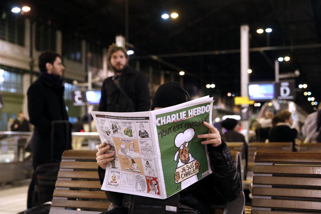 Charlie Hebdo-ს პირველი ნომერი, რომელიც რედაქციაზე თავდასხმის შემდეგ დაიბეჭდა  © EPA 14.01.2015