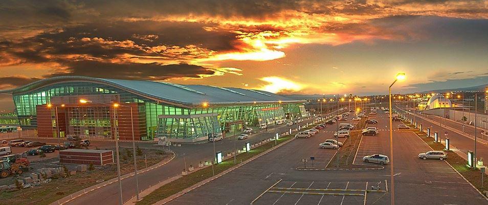 თბილისის აეროპორტში 5 რეისი ძლიერი ქარის გამო გაუქმდა