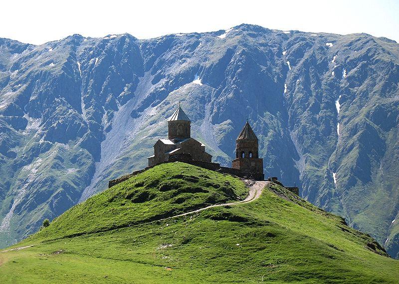 """""""ტელეგრაფის"""" ნუსხაში გერგეტის სამება მსოფლიოში ყველაზე ლამაზ ეკლესიებს შორის მოხვდა"""