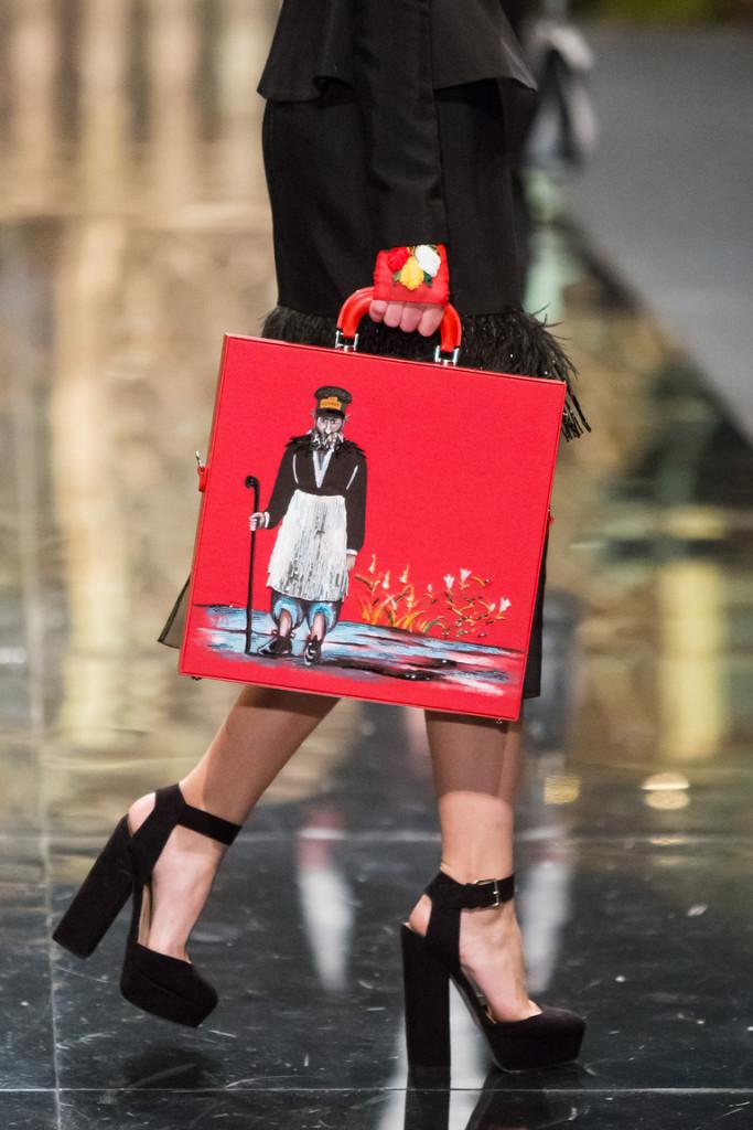 ალექსანდრე არუთინოვის შექმნილი ჩანთა ფიროსმანის ნახატით. ფოტო: fashionblog.am