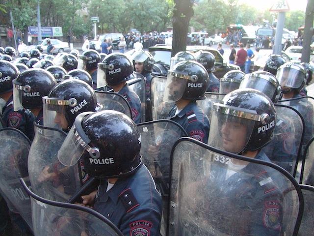 სპეცრაზმი მომიტინგეების წინააღმდეგ ერევანში, 22.06.2015