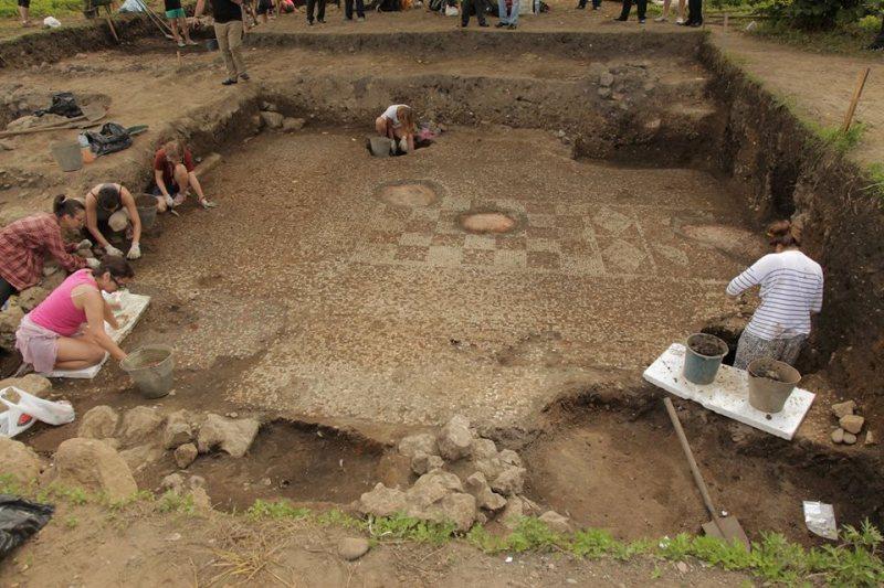 პირველი საუკუნის მოზაიკა