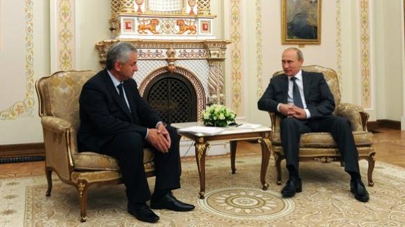რაულ ხაჯიმბა, ვლადიმერ პუტინი; ფოტო: რუსეთის პრეზიდენტის ადმინისტრაცია