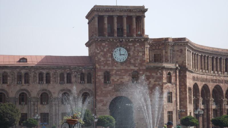 Конфликт в Карабахе: Армения заявила о сбитом самолете