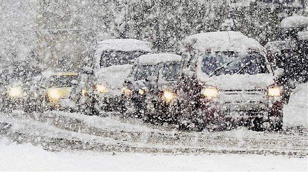 ავტოტრანსპორტის მოძრაობა შეიზღუდა, თოვლი