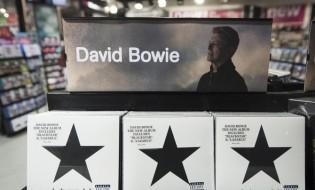 დევიდ ბოუის უკანასკნელი ალბომი, BACSTAR ლონდონის მუსიკალურ მაღაზიაში  © EPA 11.01.2016