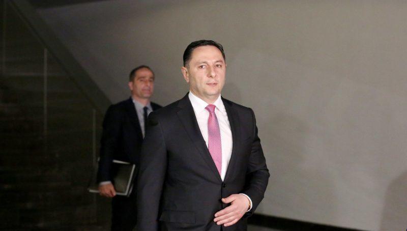 Глава МВД ответил на вопрос касательно планов по задержанию грабителя Банка Грузии
