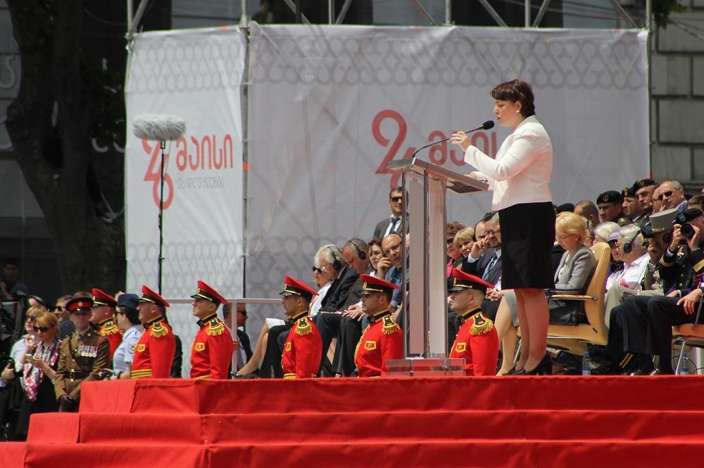 თავდაცვის მინისტრი თინა ხიდაშელი. 26.05.16 ფოტო: ნეტგაზეთი/გუკი გიუნაშვილი