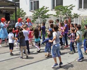 """""""ვისოლ ჯგუფი"""" ბავშვთა დაცვის საერთაშორისო დღისადმი მიძღვნილ კვირეულს """"ვენდიში"""" მრავალშვილინი ოჯახის ბავშვებისთვის ინფო ტურით იწყებს  ფოტო: ვისოლ ჯგუფი"""