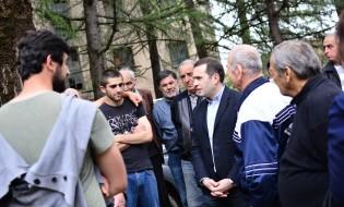 შეხვედრა ამომრჩევლებთან წყალტუბოში: ფოტო: თავისუფალი დემოკრატები