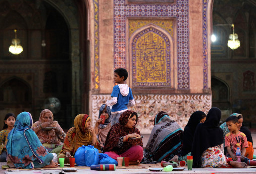 რამადანი პაკისტანში © EPA/RAHAT DAR