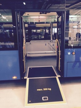 ახალი ავტობუსი. თბილისის მერის მოადგილის, ირაკლი ლექვინაძის ფოტო