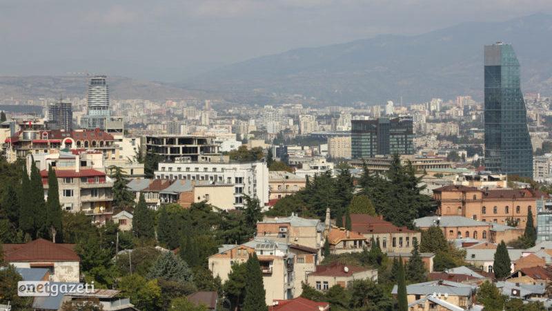 თბილისში ძლიერი ქარის გამო საგანგებო სიტუაციების სააგენტოში 100-მდე გამოძახება დაფიქსირდა