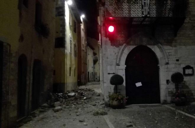 ძლიერი მიწისძვრა ცენტრალურ იტალიაში. ფოტო: EPA/MATTEO GUIDELLI