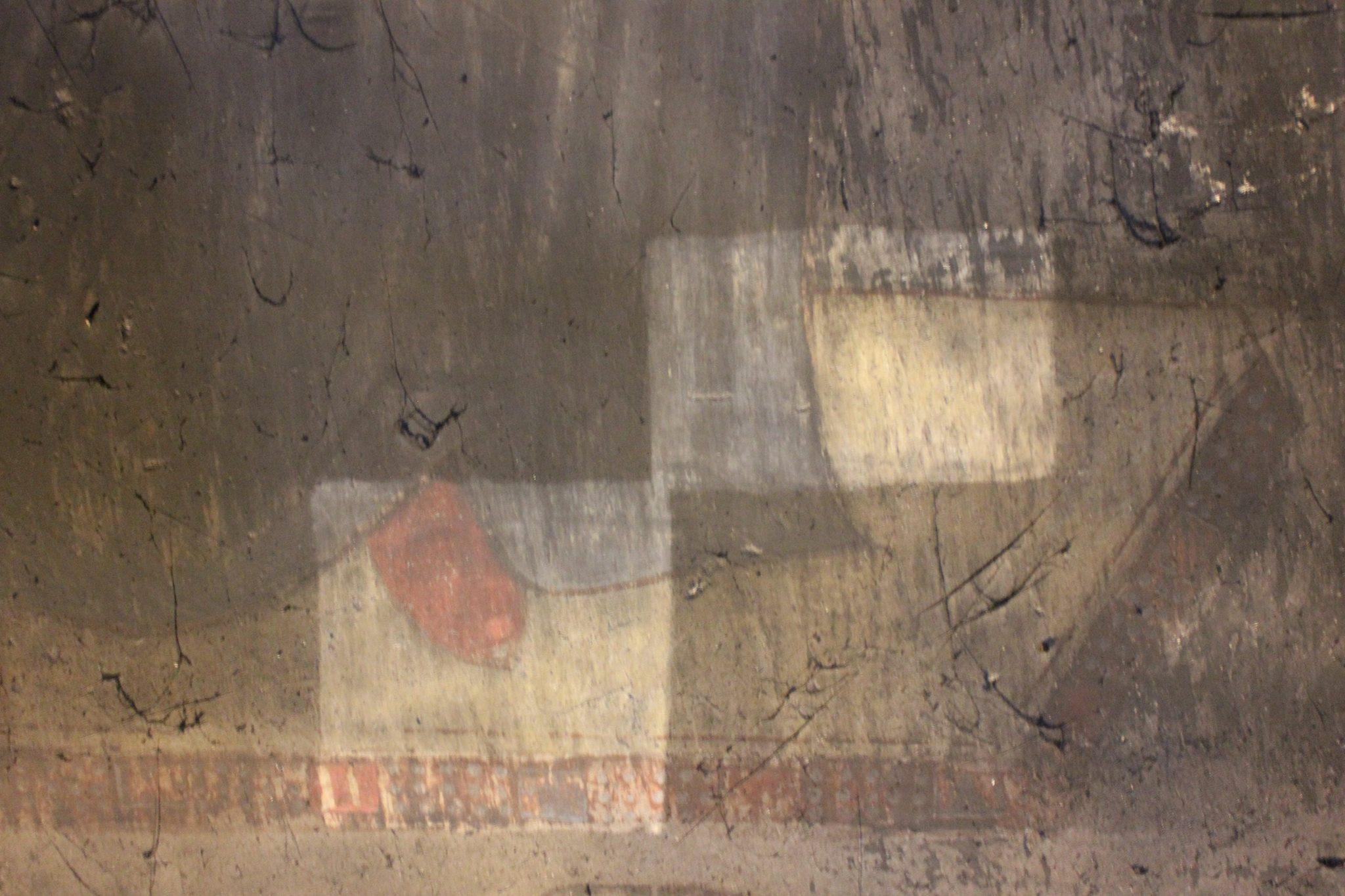 ვარძიის დაზიანებული ფრესკის სატესტოდ გასუფთავებული ფრაგმენტი. ფოტო: ნანა კუპრაშვილი 03.11.16