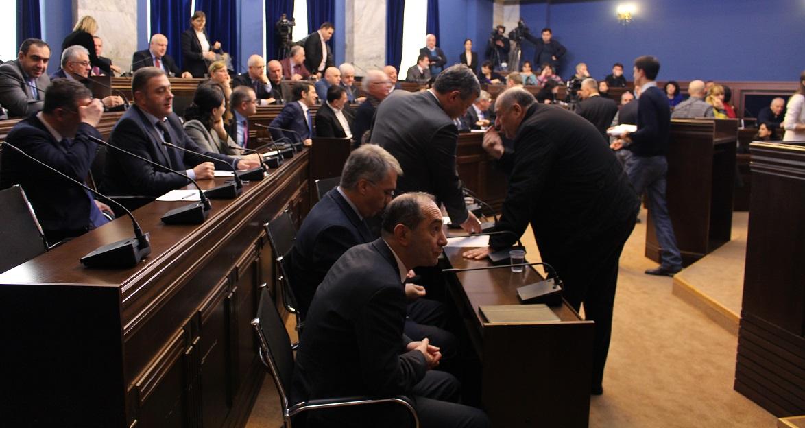 კომიტეტების გაერთიანებულ სხდომაზე მინისტრობის კანდიდატებს მხარი დაუჭირეს
