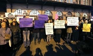 საპროტესტო აქცია სტამბულში ახალი კანონპროექტის წინააღმდეგ. 18.11.16 ფოტო: EPA/CEM TURKEL