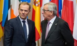 ევროპული საბჭოს პრეზიდენტი დონალდ ტუსკი (მარცხნივ) და ევროკომისიის პრეზინდეტნი ჟან-კლოდ იუნკერი (მარჯვნივ). ბრიუსელი, ბელგია, 30.10.2016. ფოტო: EPA/STEPHANIE LECOCQ