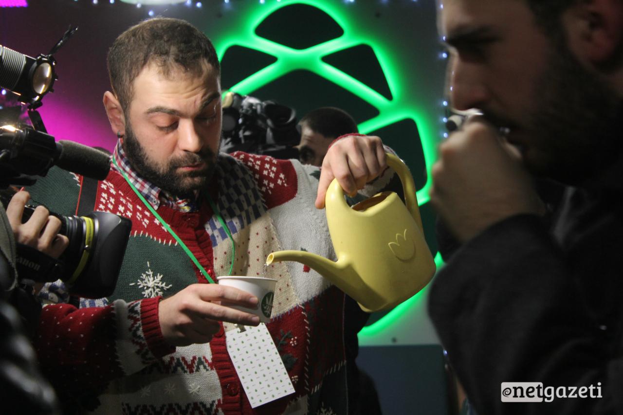 """""""გირჩის"""" ოფისში საჯაროდ მარიხუანა დათესეს 31.12.16 ფოტო: ნეტგაზეთი/გუკი გიუნაშვილი"""