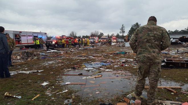 ჯორჯიას და მისისიპის შტატებში შტორმს სულ მცირე 15 ადამიანის სიცოცხლე ემსხვერპლა © REUTERS