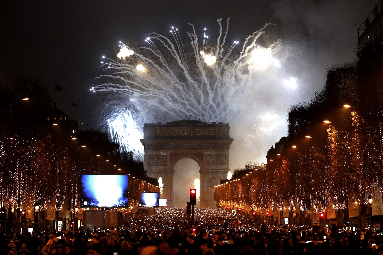 პარიზი, საფრანგეთი 01.01.17 ფოტო: EPA/YOAN VALAT