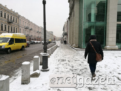 თოვლიანი ტროტუარები თბილისში. დავით აღმაშენებლის გამზირი. 1.02.2017