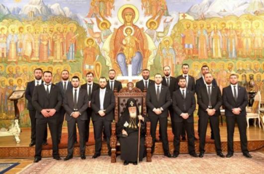 ილია მეორე და მისი პირადი მცველები. ფოტოს ბონდო მძინარიშვილი სოციალურ ქსელში ავრცელებს 2015 წელს