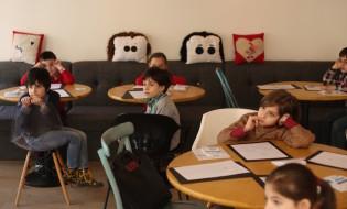 """პროექტ """"საკვირაოს"""" ფარგლებში, """"მზიურის კაფემ"""" პატარებისთვის შემაჯამებელი შეხვედრა გამართა. ფოტო: თიბისი ბანკი"""