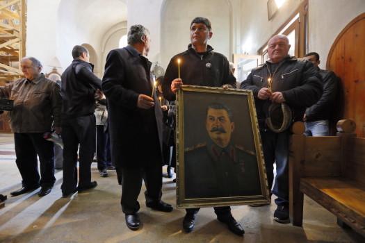 სტალინის გარდაცვალებიდან 64-ე წლისთავი © EPA/ZURAB KURTSIKIDZE