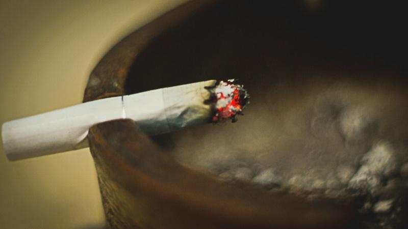 სიგარეტი. მოწევა. ლიცენზია: CC