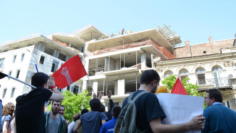 """1 მაისს, სტუდენტურმა მოძრაობა """"აუდიტორია 115-მა"""" მშრომელთა საერთაშორისო დღესთან დაკავშირებით ივ. ჯავახიშვილის სახელობის თბილისის სახელმწიფო უნივერსიტეტიდან პარლამენტის შენობამდე მსვლელობა მოაწყო 01.05.17 ფოტო: ნეტგაზეთი/მარიამ ბოგვერაძე"""
