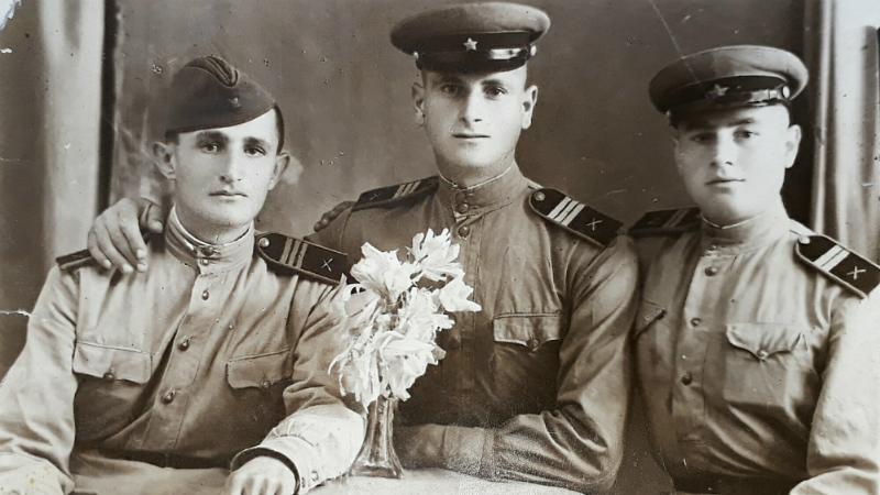 მეორე მსოფლიო ომის ვეტერანი ელიზბარ გურიელიძე მეორე მსოფლიო ომში. ფოტო მისი არქივიდან