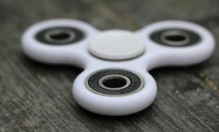 fidget spinner (CC) JIA WILSON