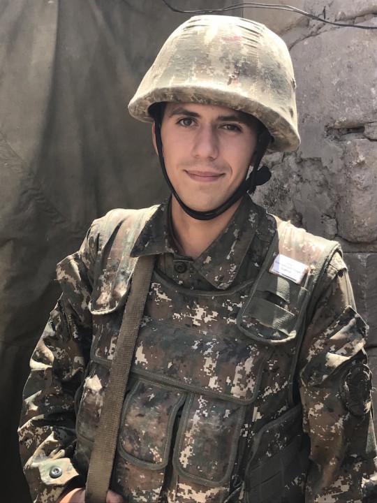 ჯარისკაცი ყარაბაღის კონფლიქტის ზონაში; 2017; ფოტო: არმინე ავეტისიანი