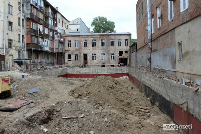 მშენებლობა აღმაშენებლის 136-ში 16.06.17 ფოტო: ნეტგაზეთი/მარიამ ბოგვერაძე