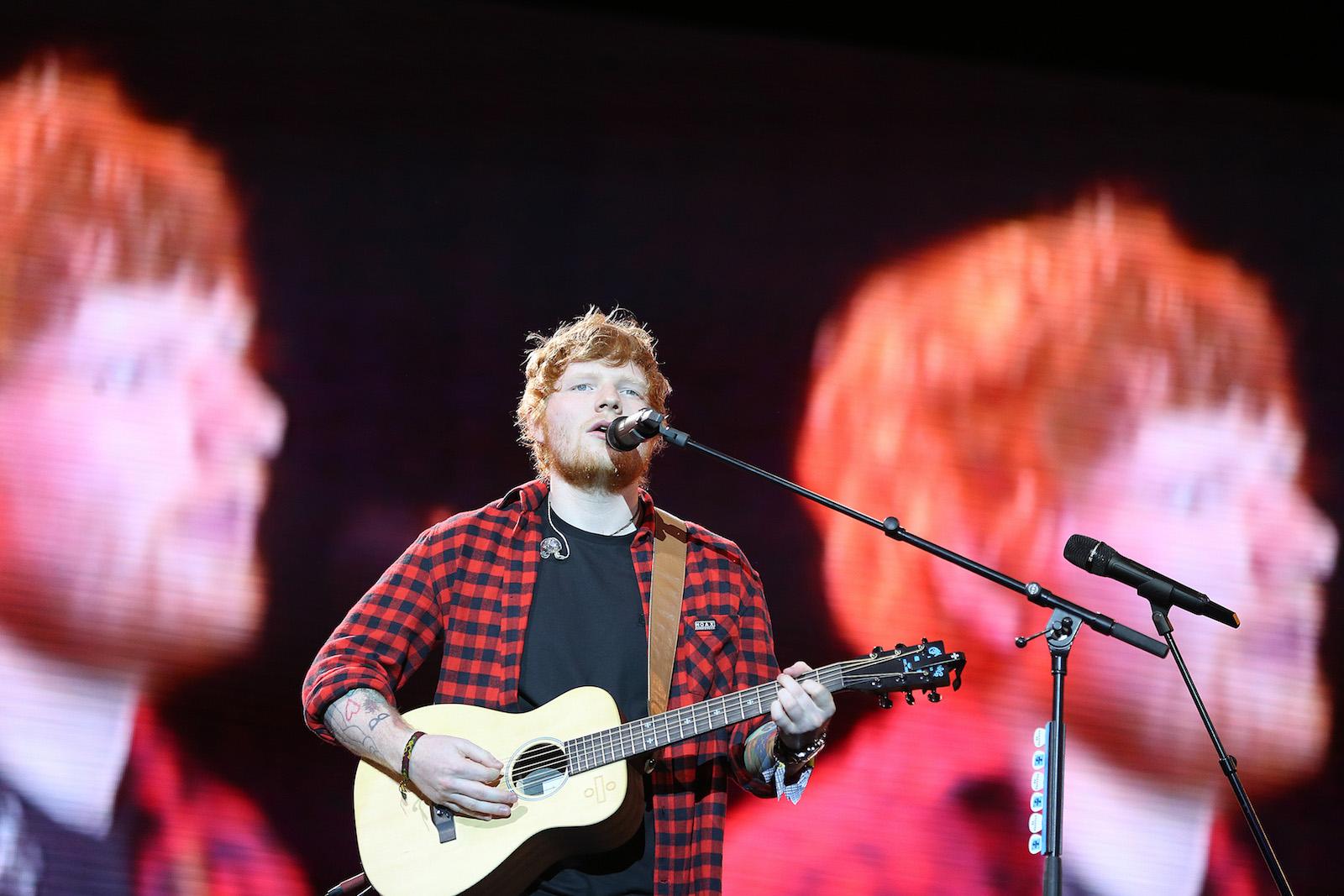 Ed Sheeran © EPA/NIGEL RODDIS