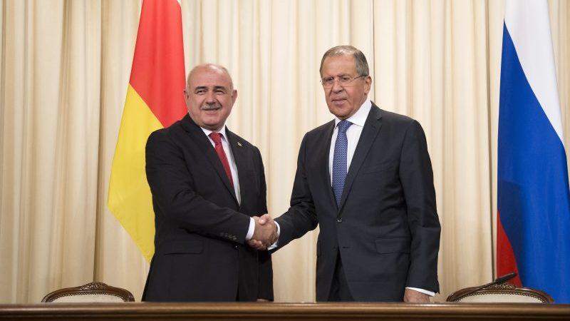 Медоев: эскалация конфликта в Карабахе создала вызовы безопасности для Южной Осетии