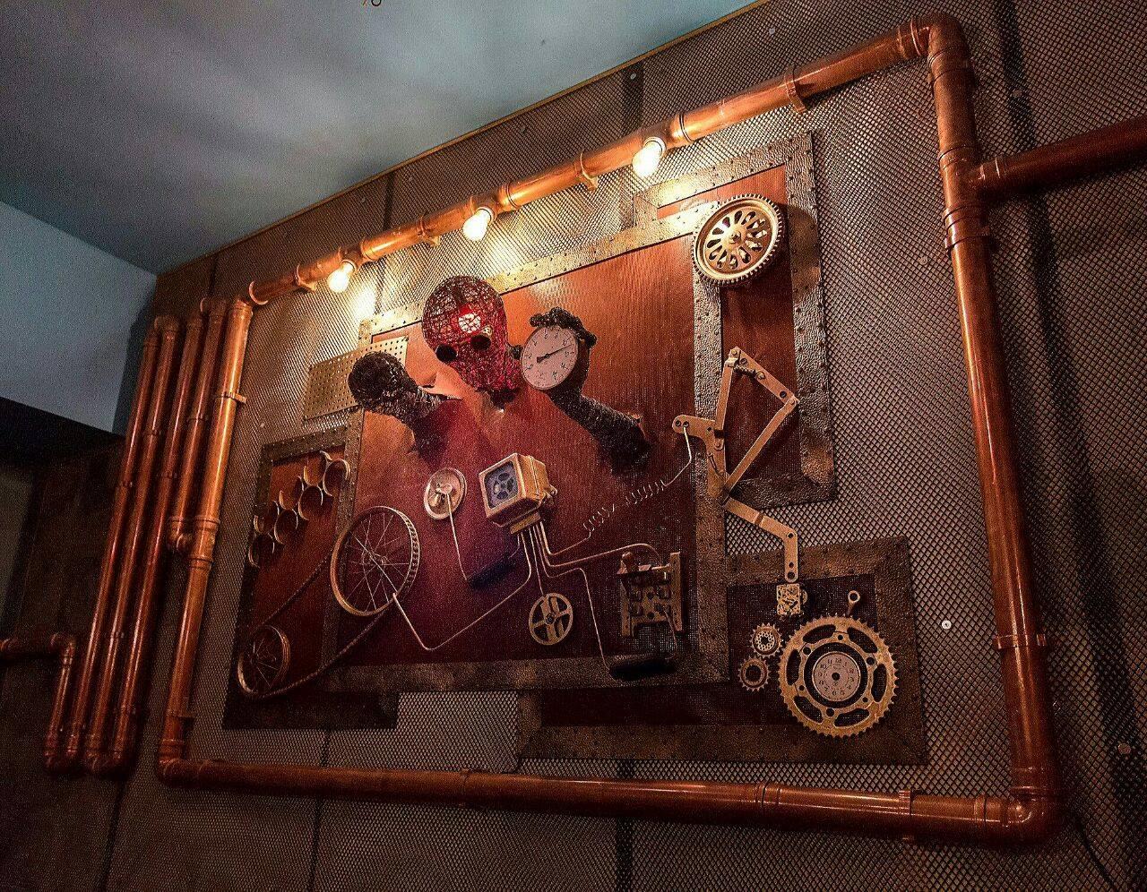 სტიმპანკ ლაფე-ბარი ტარდისი თბილისში. ჯაბა ინალიშვილის ნამუშევარი. ფოტო: ტარდისი