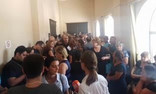 ხანძრის შედეგად დაზარალებულები სასამართლო პროცესის დასრულებას ელოდებიან 28.07.17 ფოტო: ნეტგაზეთი/ქეთი მაჭავარიანი