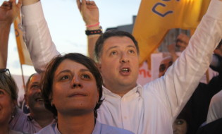 """ელენე ხოშტარია და გიგი უგულავა აქციაზე """"არა რუსულ ფაშიზმს საქართველოში ფოტო:ნეტგაზეთი"""