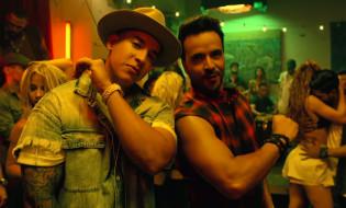 Luis-Fonsi-Despacito-ft.-Daddy-Yankee-screenshot-2017-billboard-1548