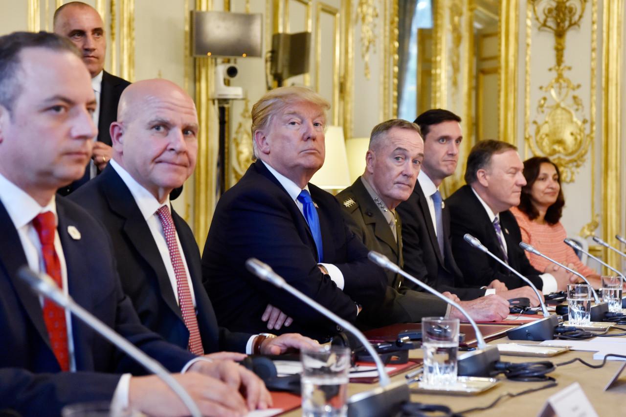 აშშ-ის პრეზიდენტი დონალდ ტრამპი ელისეის სასახლეში გამართულ შეხვედრას ესწრება. 13 ივლისს საფრანგეთში დონალდ ტრამპის ოფიციალური ვიზიტი დაიწყო. ტრამპები საფრანგეთში ემანუელ მაკრონის მიწვევით იმყოფებიან და ხვალ 14 ივლისს საფრანგეთის ეროვნულ დღესასწაულს ბასტილიის აღების დღის აღნიშვნას დაესწრებიან © EPA