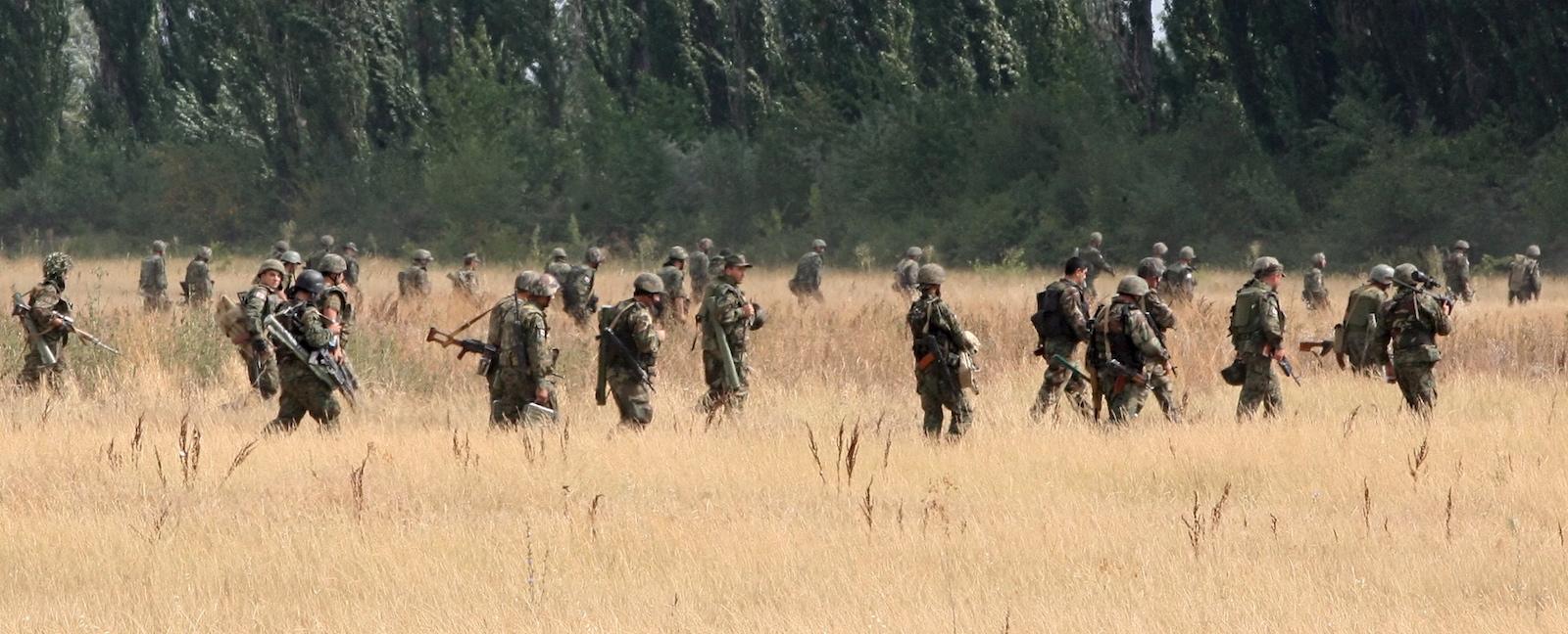 საქართველოს შეიარაღებული ძალები გორთან © EPA/ZURAB KURTSIKIDZE